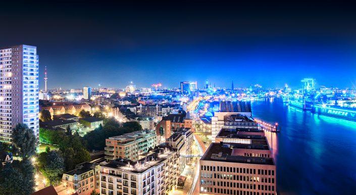 Blick auf Hamburg elbe und skyline