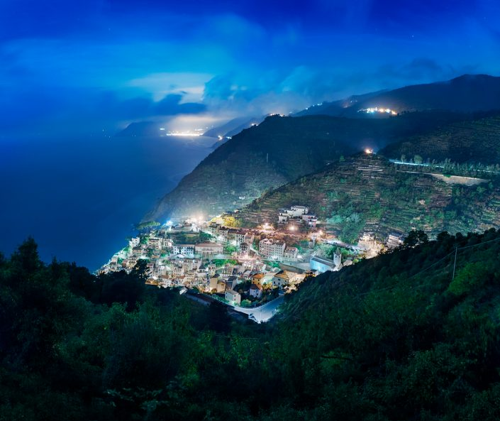 Riomagiorre at night